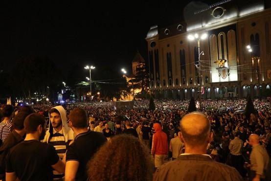 Na protestih v Gruziji več kot 200 ranjenih