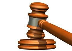 Policisti so se lotili preiskave na domu napadene mariborske sodnice