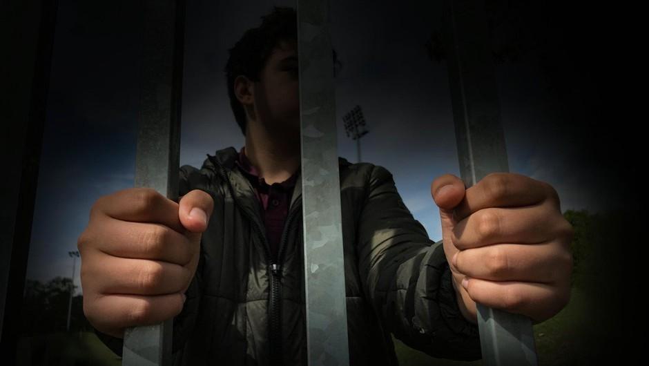 Po javnih protestih so v Španiji povišali kazen peterici posiljevalcev (foto: profimedia)