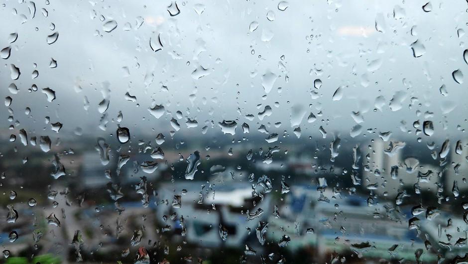 Meteorologi in geologi ob močnih nalivih po vsej državi opozarjajo na nevarnost (foto: profimedia)