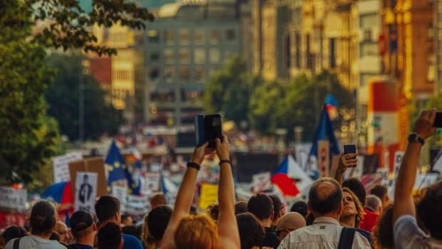 Na praške ulice se je vsulo četrt milijona ljudi, ki protestirajo proti Babišu (foto: profimedia)