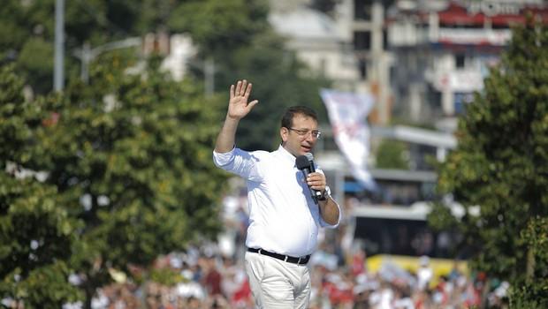 Po ponovljenih volitvah v Istanbulu ni spremembe, županski položaj pripada opoziciji (foto: profimedia)