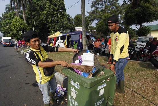 Indonezijo stresel močan potres