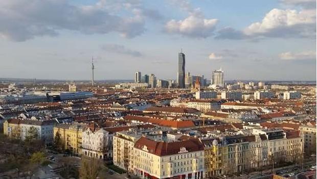 Na Dunaju v eksploziji plina uničen stanovanjski blok (foto: STA)