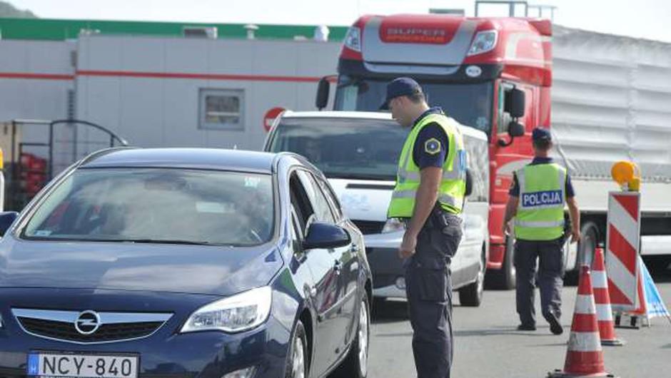 Našo zahodno mejo bodo od ponedeljka naprej nadzorovale mešane patrulje (foto: STA)