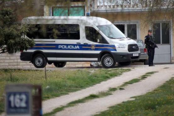 61-letni moški, ki je v Djakovu ubil socialno delavko, je bil pogosto pijan in agresiven