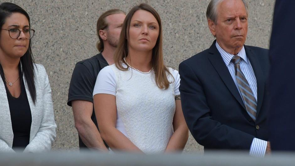 Na dan prihaja, da je v škandal Epstein in zlorabo mladoletnic vpletenih več znanih imen (foto: profimedia)