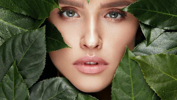 Je naravna kozmetika res naravna? To morate vedeti, preden se odločite za nakup (foto: Shutterstock)