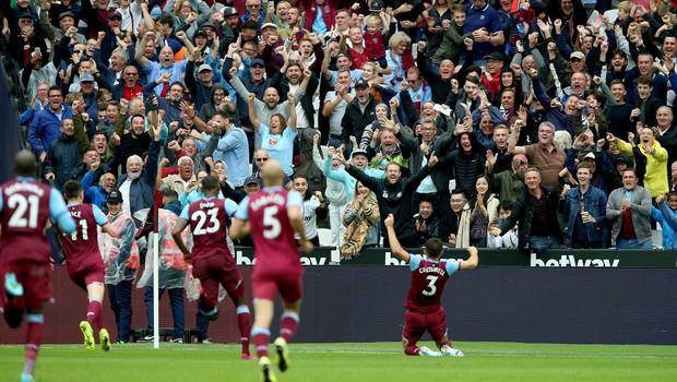 Angleškemu navijaču zaradi rasizma doživljenjsko prepovedal vstop na stadion (foto: profimedia)