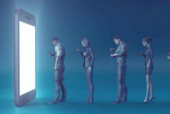 Knjiga o sodobnih zasvojenostih s tehnologijo: Sužnji zaslona!