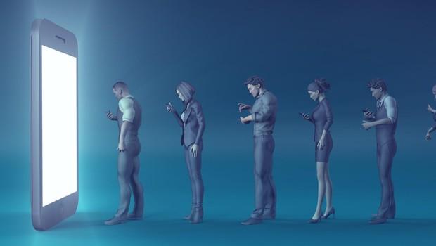 Knjiga o sodobnih zasvojenostih s tehnologijo: Sužnji zaslona! (foto: profimedia)