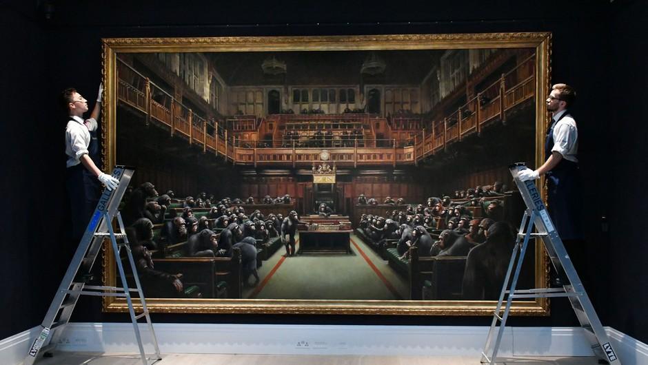 Banksyjev parlament opic prodan za skoraj 10 milijonov funtov (foto: profimedia)