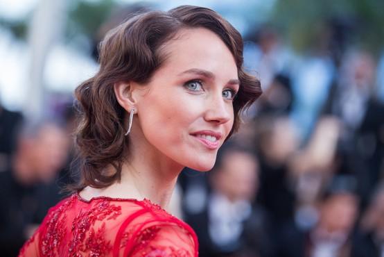 Proti režiserju Lucu Bessonu odprli novo preiskavo zaradi posilstva igralke