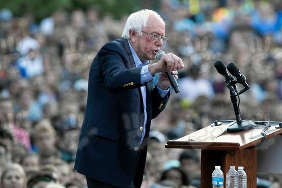 Bernie Sanders je zaradi srčnega infarkta začasno prekinil kampanjo za predsednika ZDA