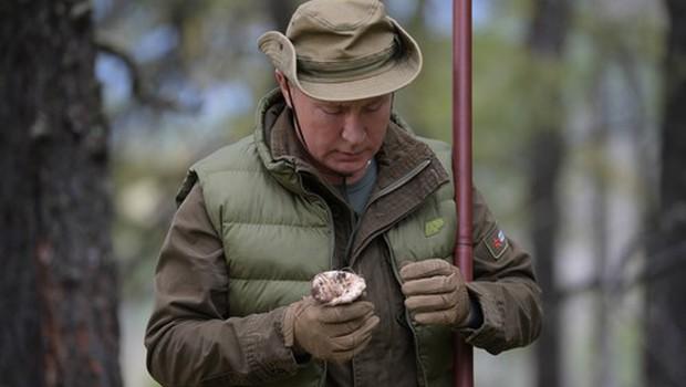 Vladimir Putin je 67. rojstni dan preživel v družbi prijateljev in sorodnikov (foto: Profimedia)