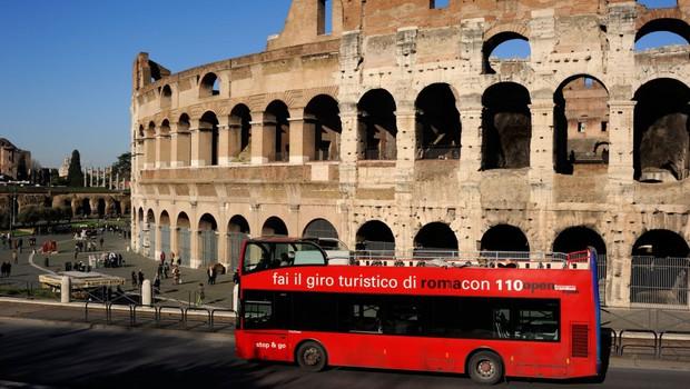 Rim težave s smetmi rešuje tudi s pomočjo javnega prevoza (foto: profimedia)