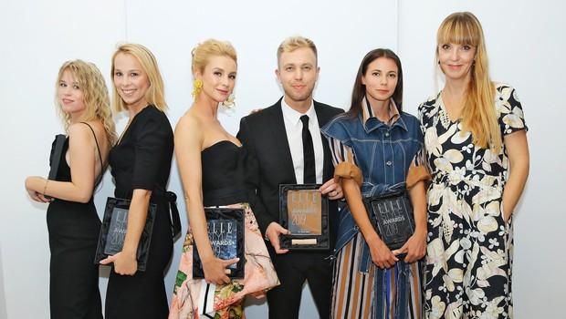 Nagrajenci ESA 2019 z urednico mode revije Elle Petra Windschnurer (foto: Aleksandra Saša Prelesnik)