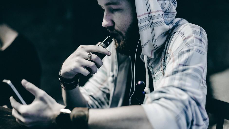 26 smrtnih primerov zaradi kajenja elektronskih cigaret (foto: profimedia)