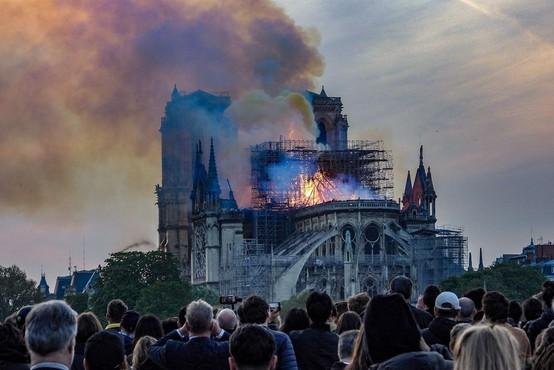 Po požaru v katedrali Notre-Dame tudi mini televizijska serija