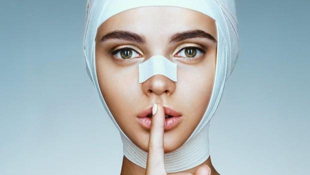 Berlin želi mlade z zakonom zaščiti pred oglasi za lepotne operacije (foto: profimedia)