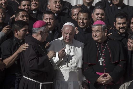 """""""Vatikan je blizu bankrota,"""" trdi preiskovalni novinar Gianluigi Nuzzi!"""