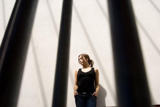 Zaljubljeni 18-letnik v Nemčiji vdrl v zapor k svojemu dekletu