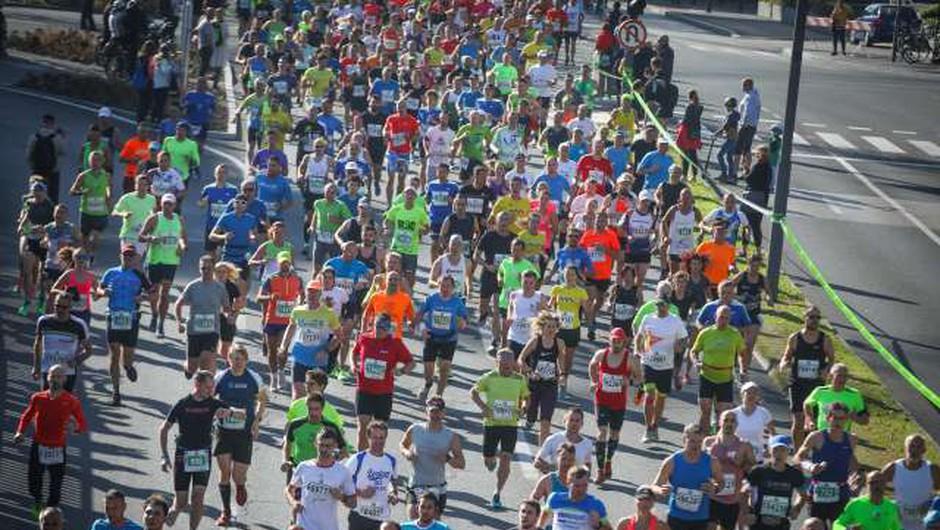 24. ljubljanski maraton odteklo 19.612 udeležencev (foto: Anže Malovrh/STA)