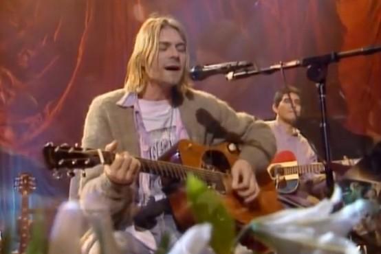 Kultna grunge jopa Kurta Cobaina prodana za rekordnih 334.000 dolarjev