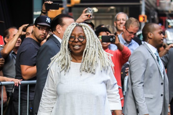 Whoopi Goldberg se vrača kot pojoča nuna, poroča The Guardian