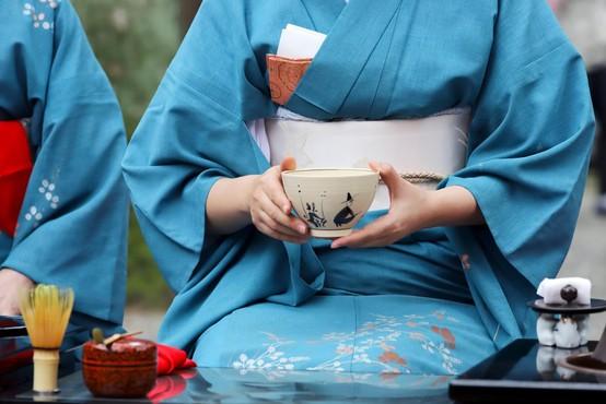 Beth Kempton o življenjskih naukih 'vabi sabi', skritih v rokavih kimona!
