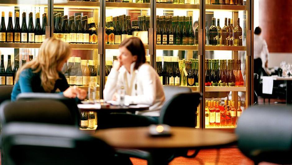 Avstrija zaostruje prepoved kajenja v gostinskih lokalih (foto: profimedia)