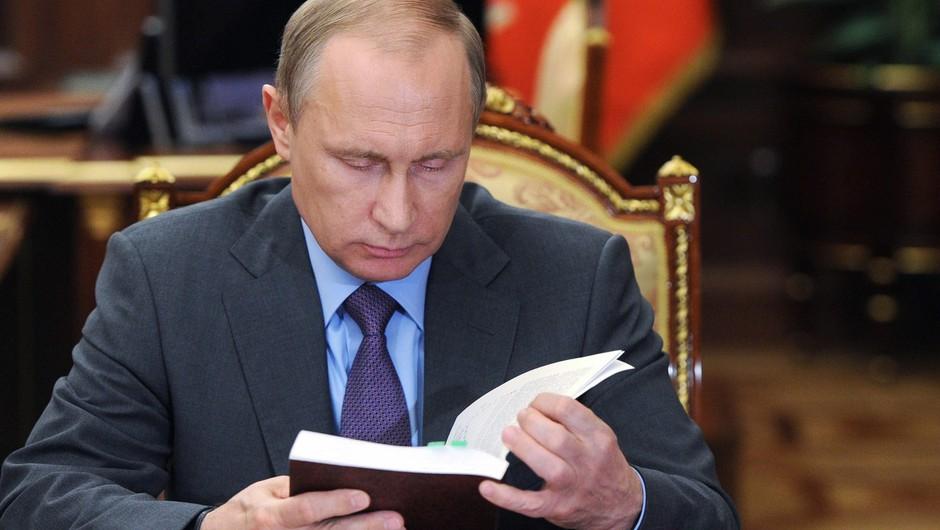 Vladimir Putin načrtuje rusko alternativo Wikipedije (foto: profimedia)