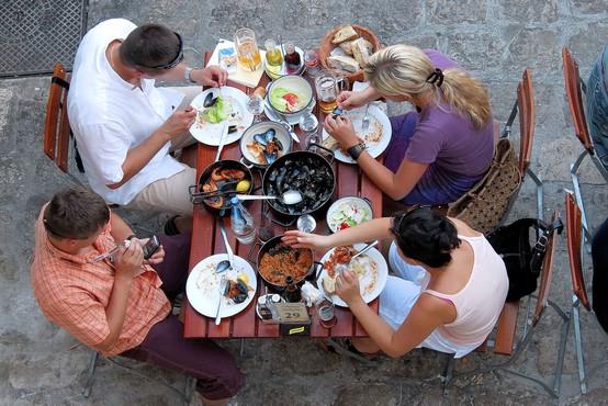 V jedru Dubrovnika načrtujejo omejitev števila novih restavracij