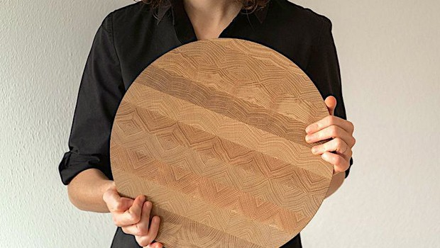 Rezalna deska z vzorcem čipke (in drugi vrhunski slovenski izdelki za dom ta hip) (foto: Studio moste)