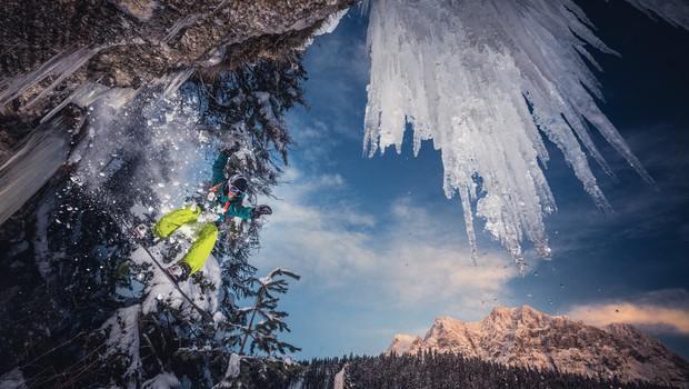 Močno sneženje v delih Avstrije povzroča težave (foto: profimedia)