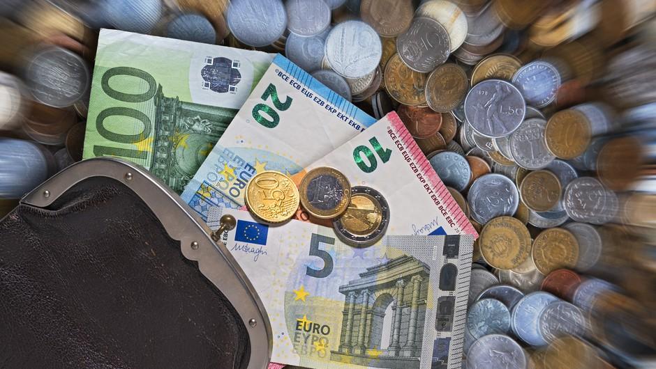 Ko naše finance niso, kot bi si želeli, krivimo druge! (foto: profimedia)