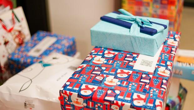 Trije zimski botri: Kaj vse se dogaja, preden pride darilo do otroka (foto: Elvis Baltić)