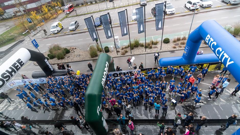 6. Alive Step Up: Preko 700 junakov teklo na vrh Kristalne palače (foto: Alive Step Up)