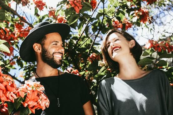 Kakšne nasmehe ljudje najbolj cenijo (in druga smešna dejstva, ki jih morate poznati)