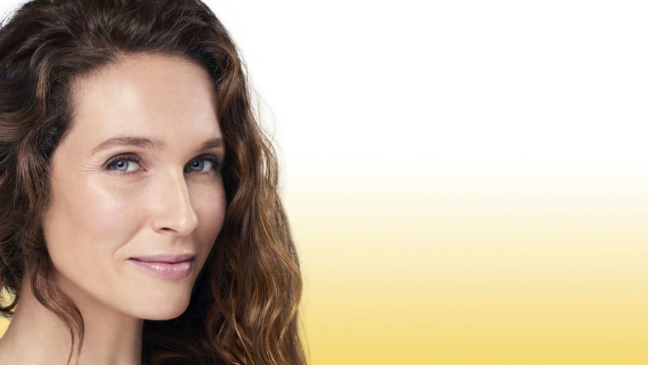 """Lara Terstegen: """"V popolni harmoniji s kožo, ker ima bioidentično obliko naravnega Q10!"""" (foto: Nivea Press)"""