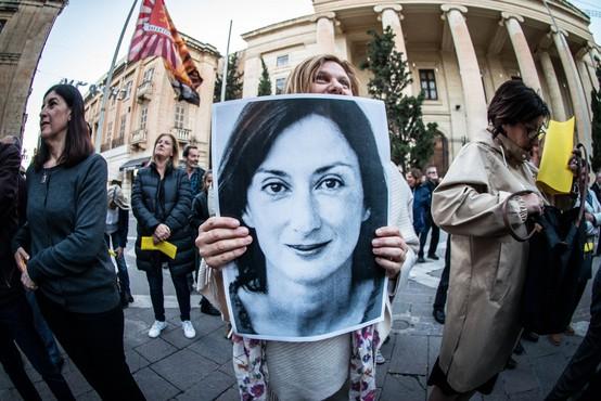 Preiskava umora malteške novinarke Daphne Caruane Galizie se resno zapleta