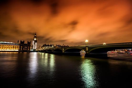 Policija napad z nožem na Londonskem mostu obravnava kot terorizem