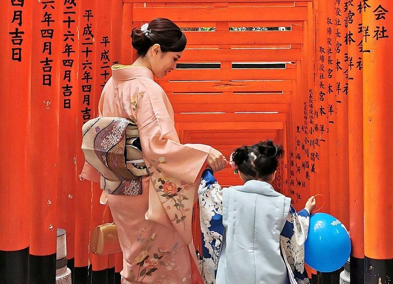 Hie Shrine v Tokiu, odlična alternativa brez gneče namesto Fushimi Inari v Kjotu