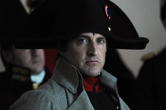 Napoleonove škornje iz črnega usnja in nizko peto prodali za 117.000 evrov