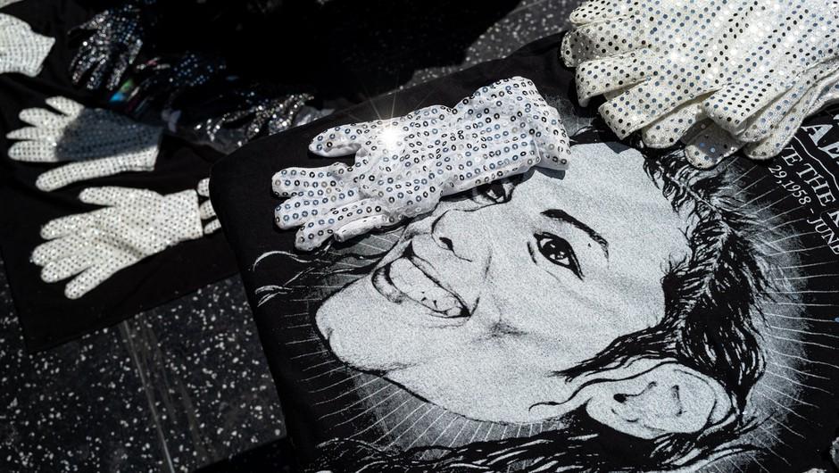 Johnny Depp bo produciral muzikal o rokavici Michaela Jacksona (foto: profimedia)