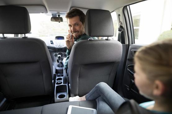 V Avstraliji uvajajo kamere za zaznavo uporabe telefona za volanom