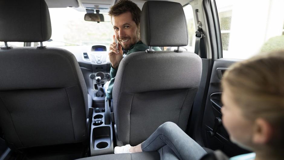 V Avstraliji uvajajo kamere za zaznavo uporabe telefona za volanom (foto: profimedia)