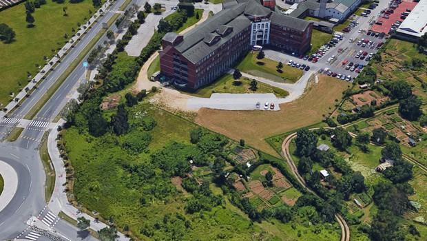Dražba zemljišča bo samo zato, da bi Janković preveril njegovo ceno (foto: Google zemljevid/STA)