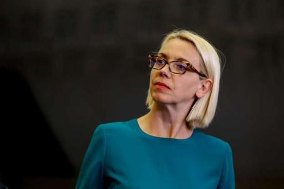 Avstrijska vlada dovolila dvojno državljanstvo Angeliki Mlinar