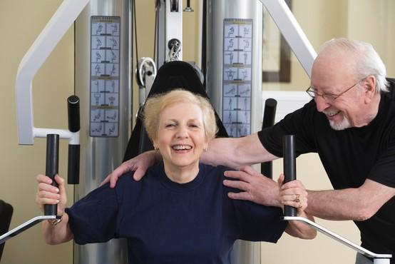 Če po 50. letu trajno shujšajo že za samo 2 kilograma, zmanjšajo tveganje za raka dojk